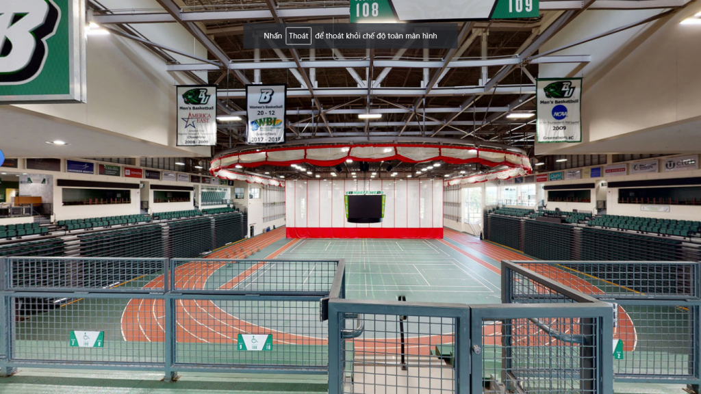 không gian sân thể thao trong trường đại học Binghamton